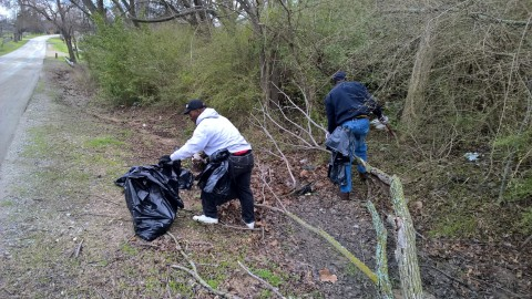 City Hosts Community Cleanup